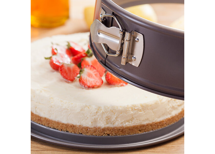 Judge Bakeware Round Springform Sandwich Tin Loose Base - 2