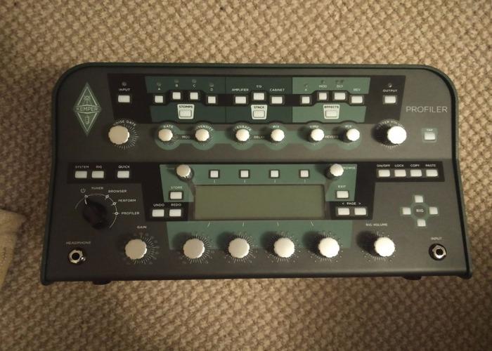 600watt Powered Kemper Profiling Amp In Flight Case With Pedalboard - 1