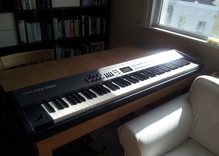 Keyboard - Stage Piano (Roland RD700) Weighted Touch - 1