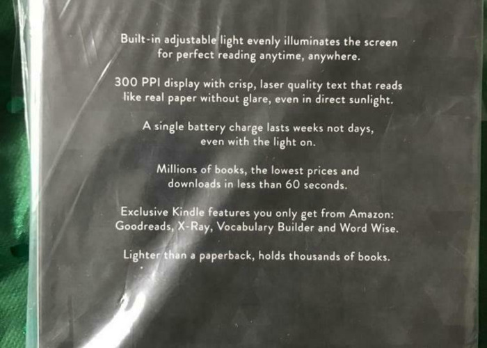 Kindle paperwhite 4GB 7th generation  - 2