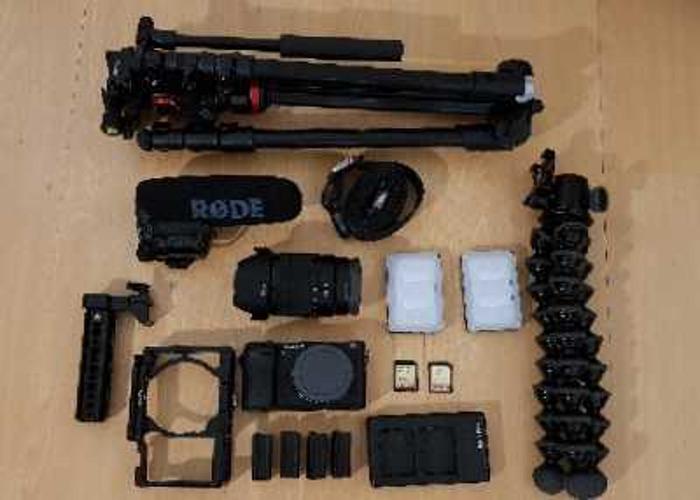 (Kit 2) Sonya6300 + 16-70mm F4 + RØDE VideoMic Pro - 1