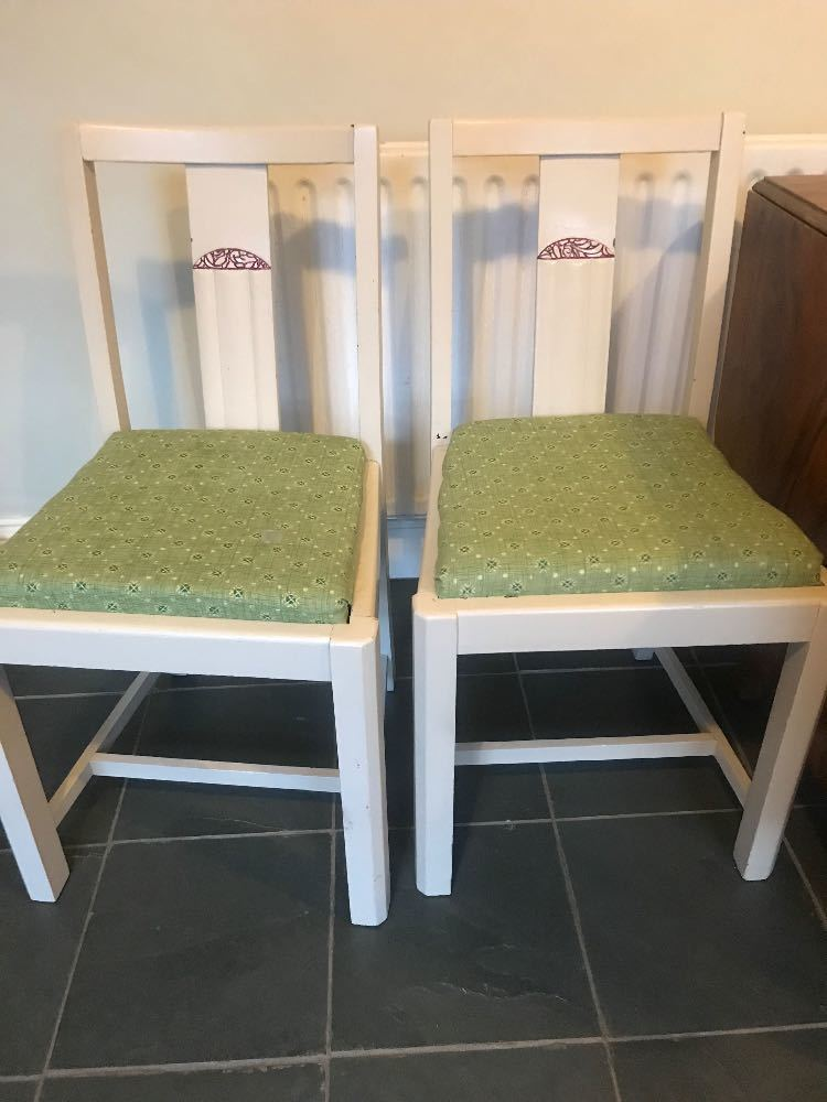 Kitchen Table and 4 Chairs - 2