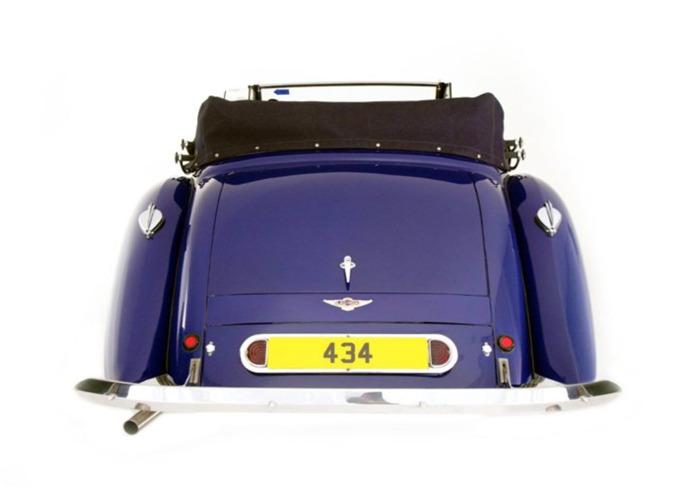 Lagonda LG6 Drophead Coupe (1939) - 2