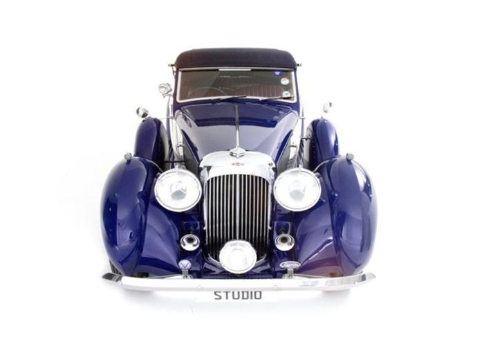Lagonda LG6 Drophead Coupe (1939) - 1