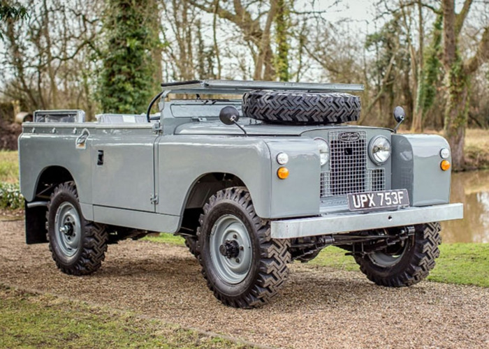 Land Rover Series IIA-88″ (1968) - 2