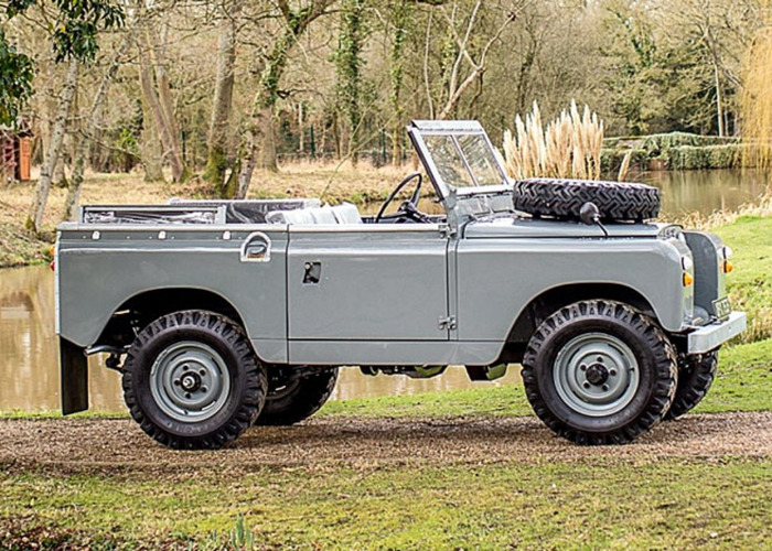 Land Rover Series IIA-88″ (1968) - 1
