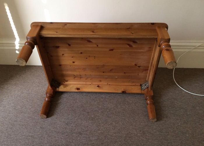 Large Pine Coffee Table - 2