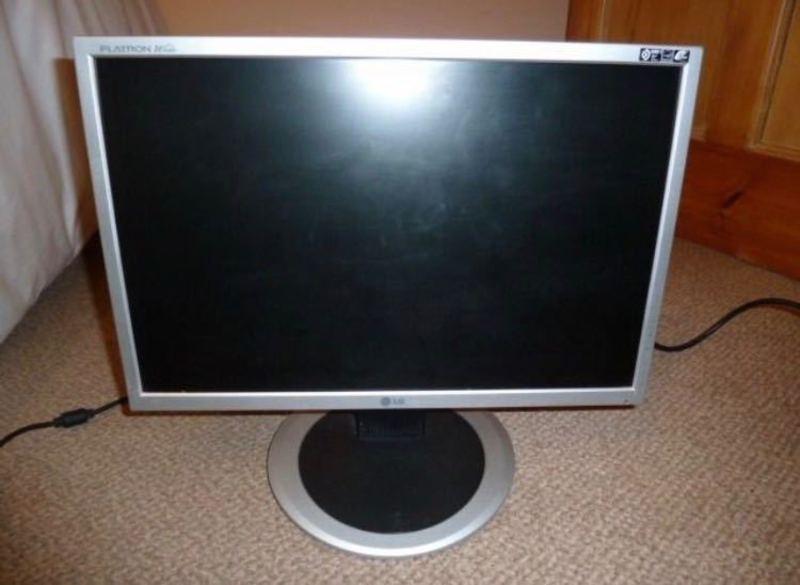"""LG L194WT - LCD monitor - 19"""" - 1"""