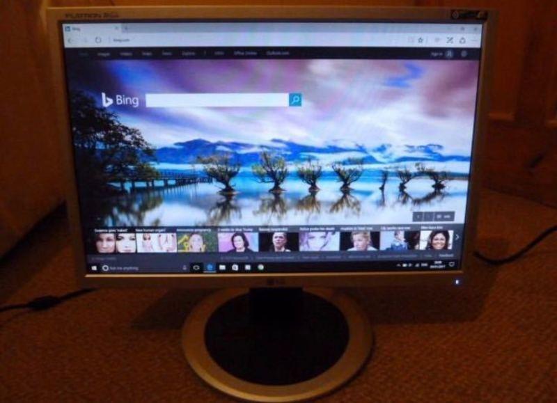 """LG L194WT - LCD monitor - 19"""" - 2"""