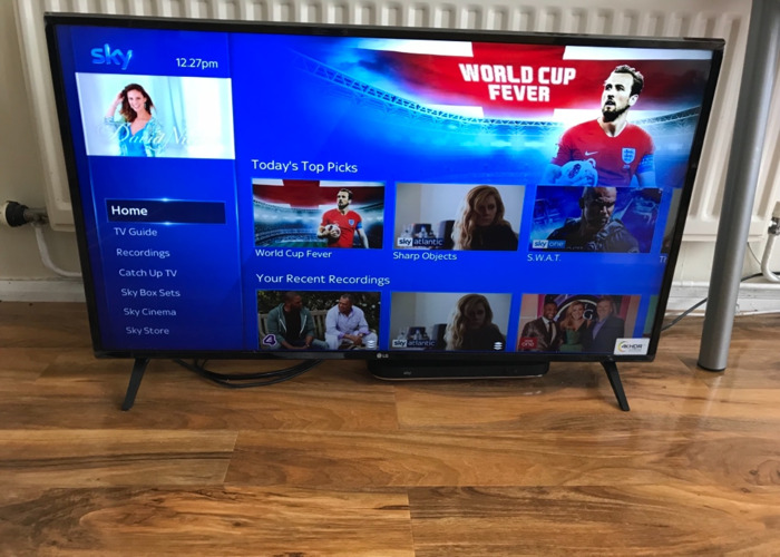 LG tv 43 inch nearly new
