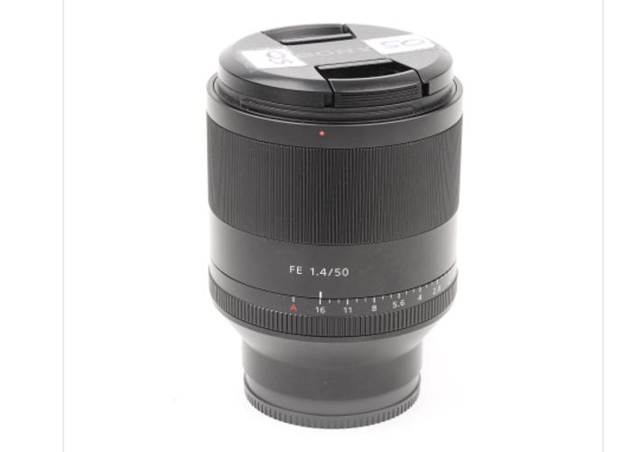 Sony Zeiss 50mm F1.4 Full Frame E mount Lens - 2