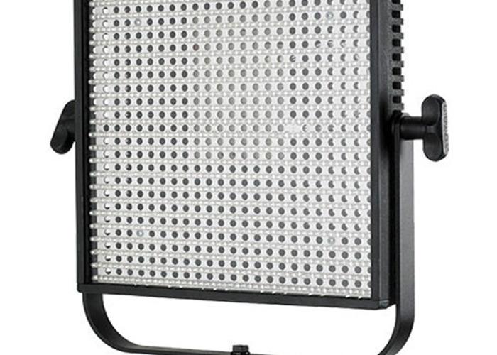 Litepanels 1x1 ls daylight flood x2 with 2x Arri stands - 1