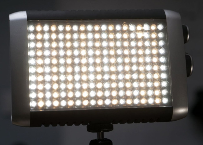 Litepanels Croma Bi-colour dimmable on-camera LED light - 2