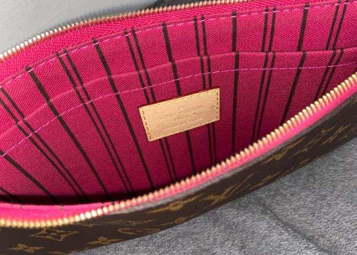Louis Vuitton Pouch - 2