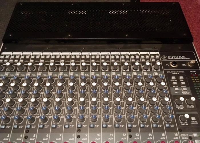 Mackie Onyx 1640i mixer/recording interface - 2