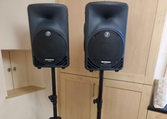 Mackie SRM 350 Active PA Speakers x2 with cases  - 1