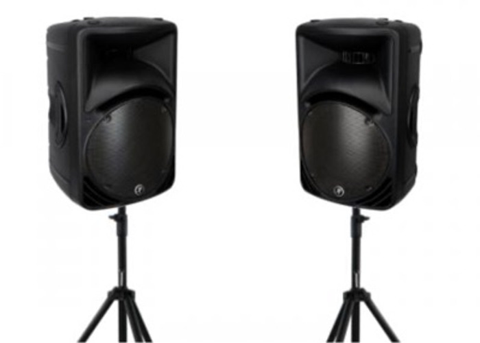 Mackie SRM450 V2 Active Loudspeakers with stands - 1