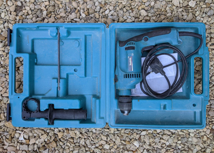 Makita corded hammer drill HP1621 - 2