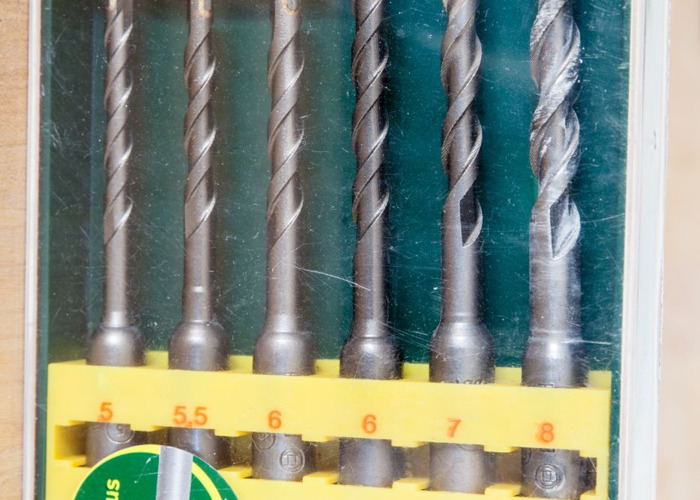 Makita Hammer Drill SDS + Drill bits - 2