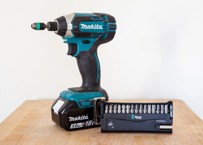 Makita Impact driver + Wera 30 bit set + magnetic bit holder - 1