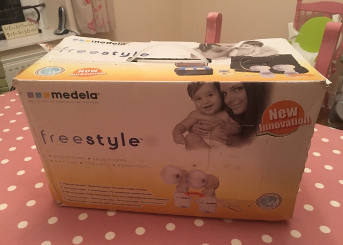 Medela Freestyle Double Breast Pump - 1