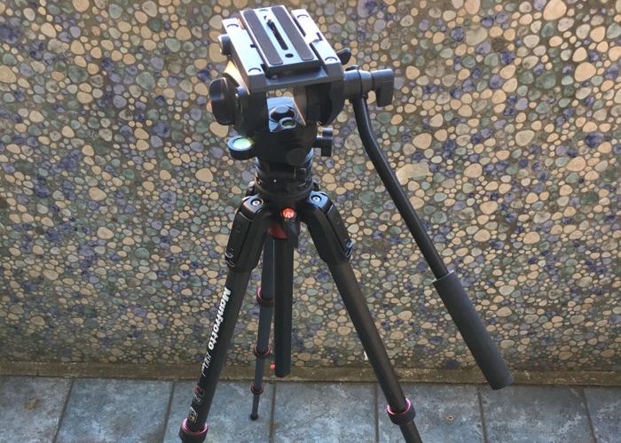 Manfrotto Carbon Fibre Tripod 190 GO! with 500 Fluid Video Head - 1