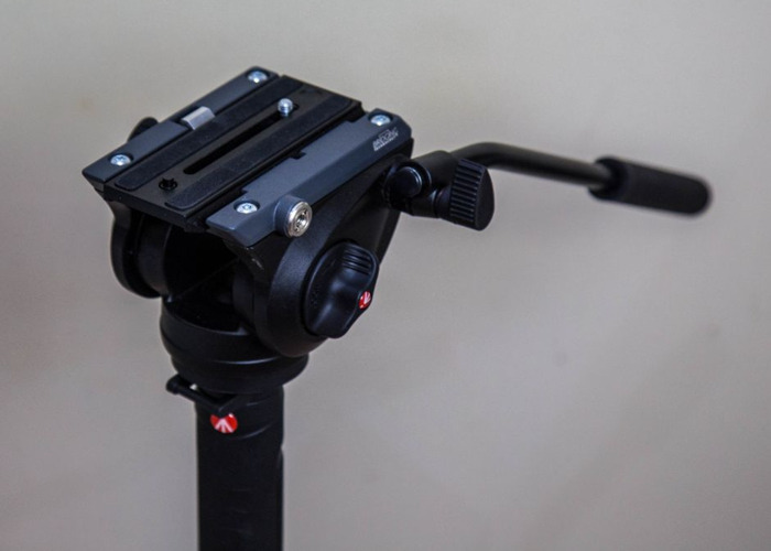 Manfrotto 560B-1 Monopod + MVH500AH Video Head - 1