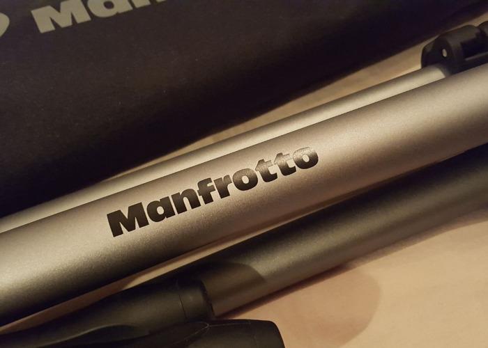 Manfrotto Tripod - 360° pivot head - 2