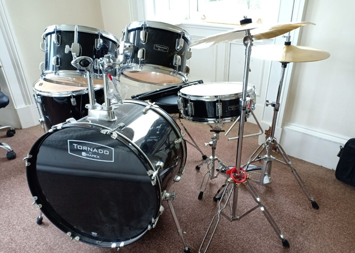 Mapex Tornado Drum Kit, Stool with Music Stand - 1