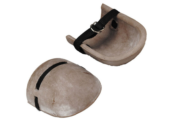 Marshalltown M823 Rubber Knee Pads With Webbed Straps - 1