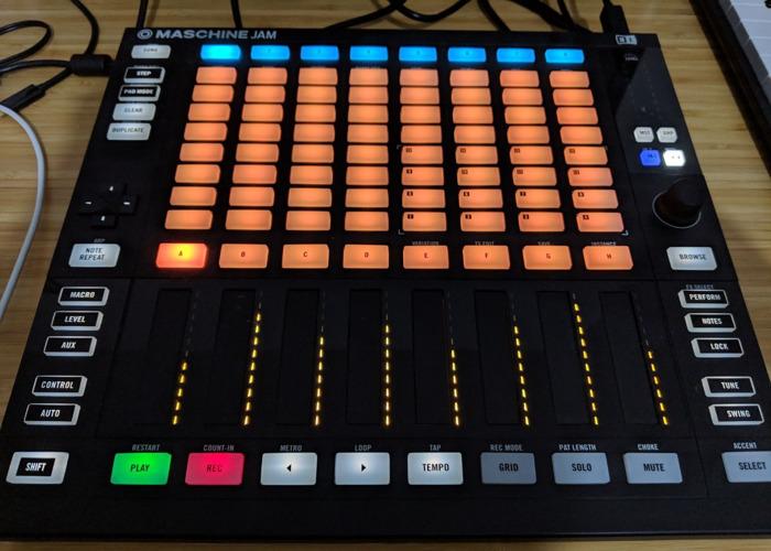 Native Instruments Maschine Jam controller - 2