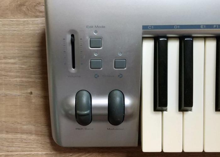 M-Audio KeyStudio 49 MIDI Keyboard - 2