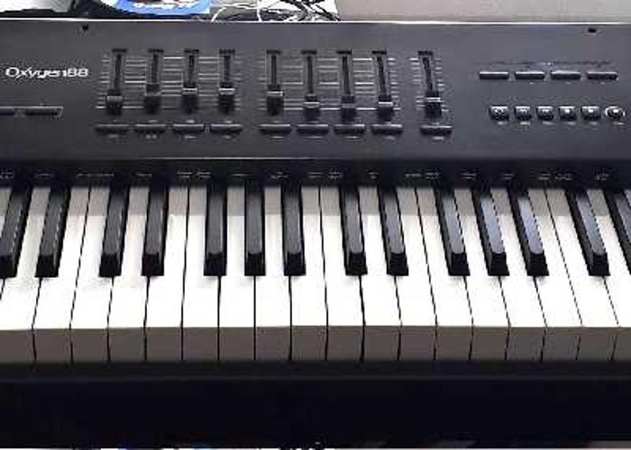 M-Audio Oxgen 88 note Hammer Action USB Controller Keyboard - 2