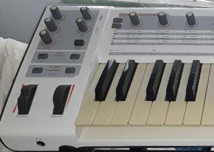 M-audio Venom Synthesiser & DAW Controller - 1