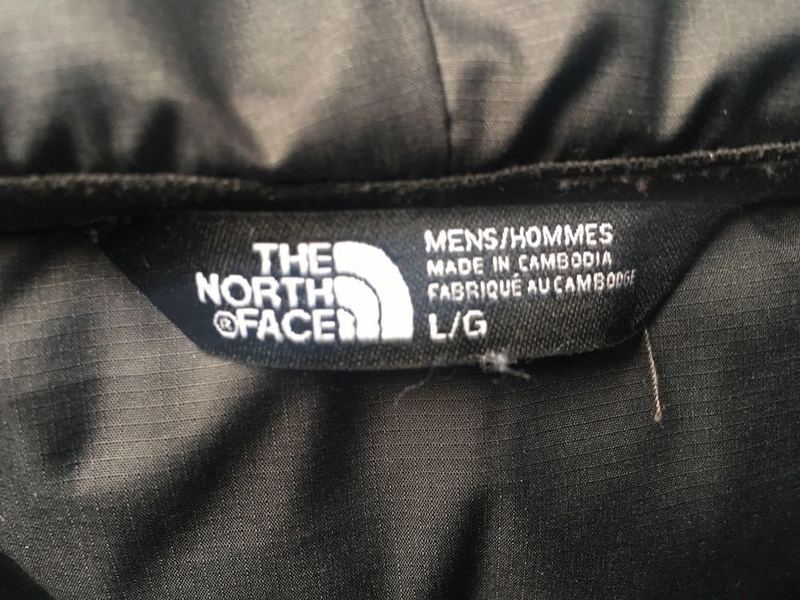 Men's North face puffs jacket size large  - 2