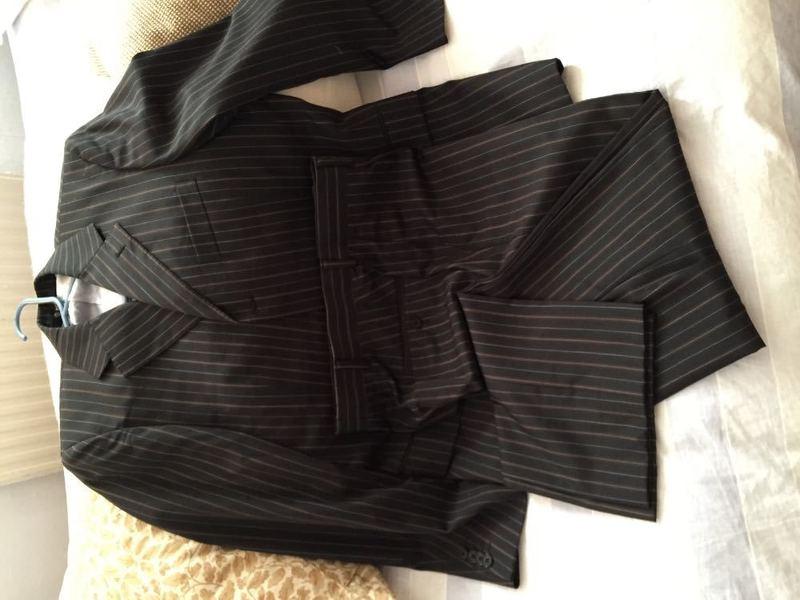 Men's Suit  - 1