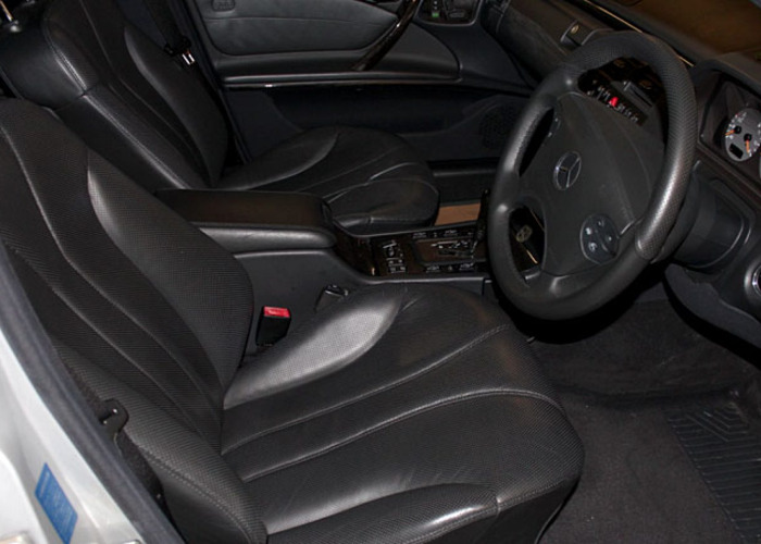 Mercedes E55 AMG (2000) - 2
