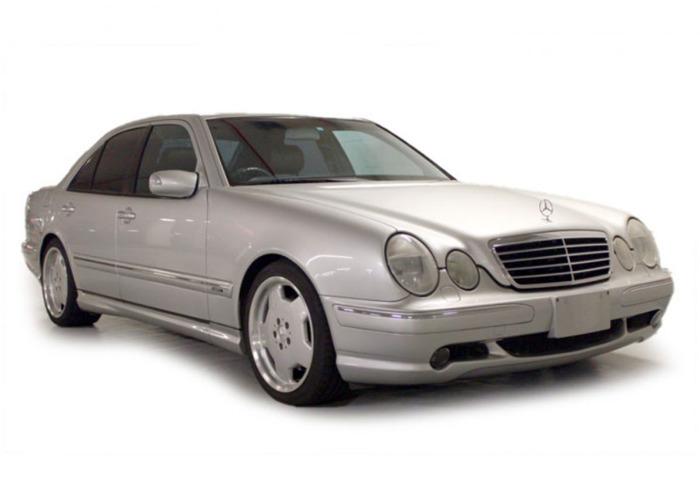 Mercedes E55 AMG (2000) - 1