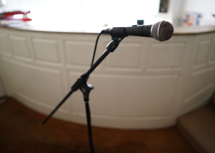 Microphone SM58 with mic stand and XLR cable - 2