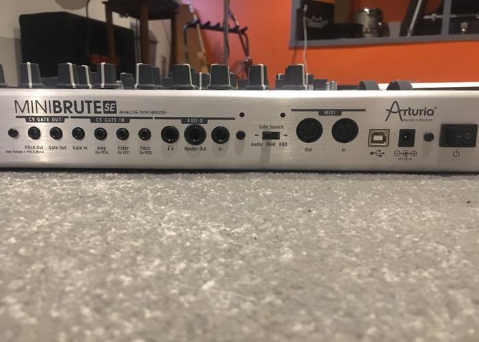 Mini Brute Synth - 2