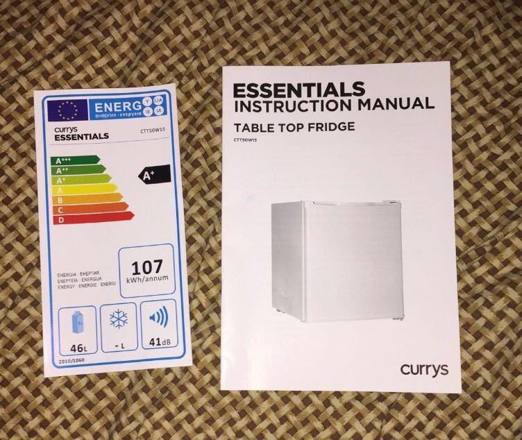 MINI FRIDGE:Currys Essentials CTT50W15 -White - 1