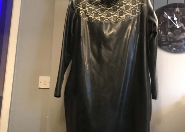 Mistress dress latex perfect condition  - 1