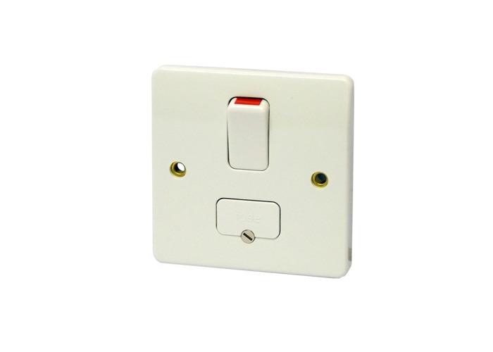 MK Logic Plus 10A Single Light Switch, One Way, White - 1