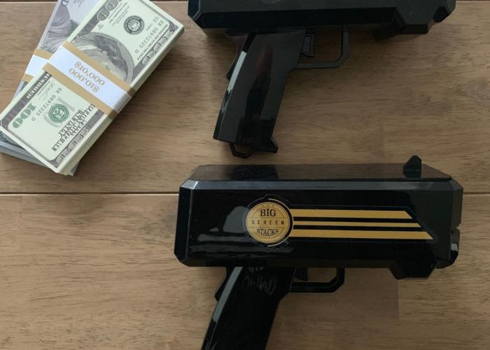 Money Gun X 2 with $100 notes (replica) - 1