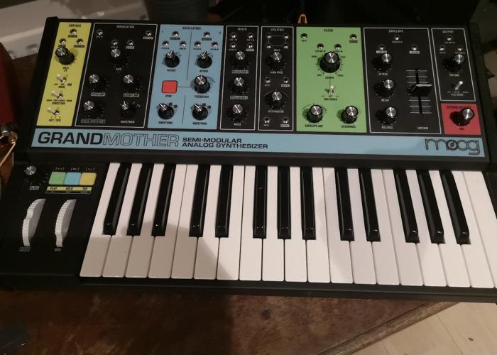 Moog Grandmother Synthesiser Semi Modular - 1
