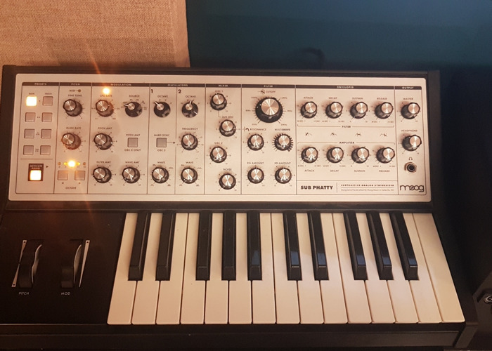 Moog Sub Phatty Analogue Mono Synth - 1