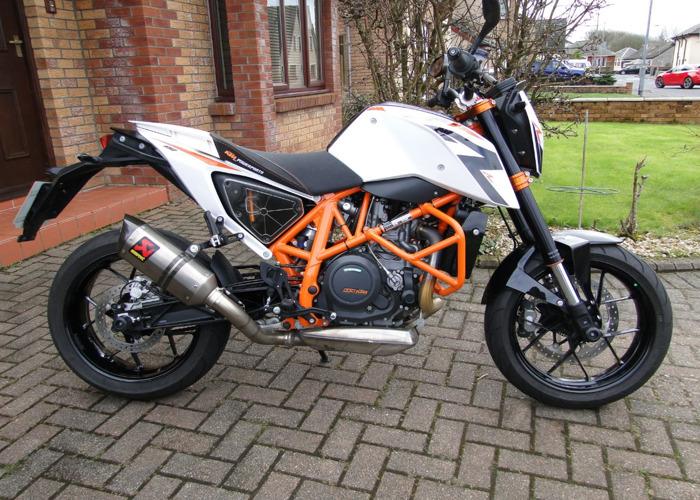 Motorcycle KTM690 Duke R - 1
