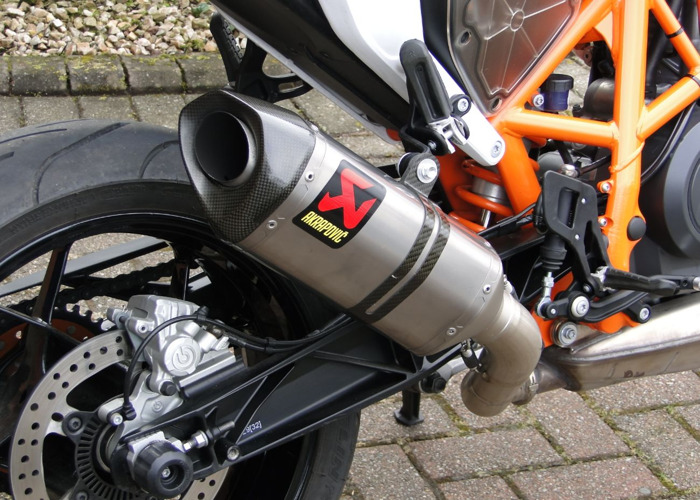 Motorcycle KTM690 Duke R - 2