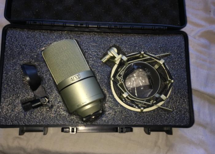 MXL 990 Condenser Mic - 1