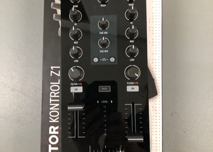 native instruments-traktor-kontrol-z1-68646784.jpg